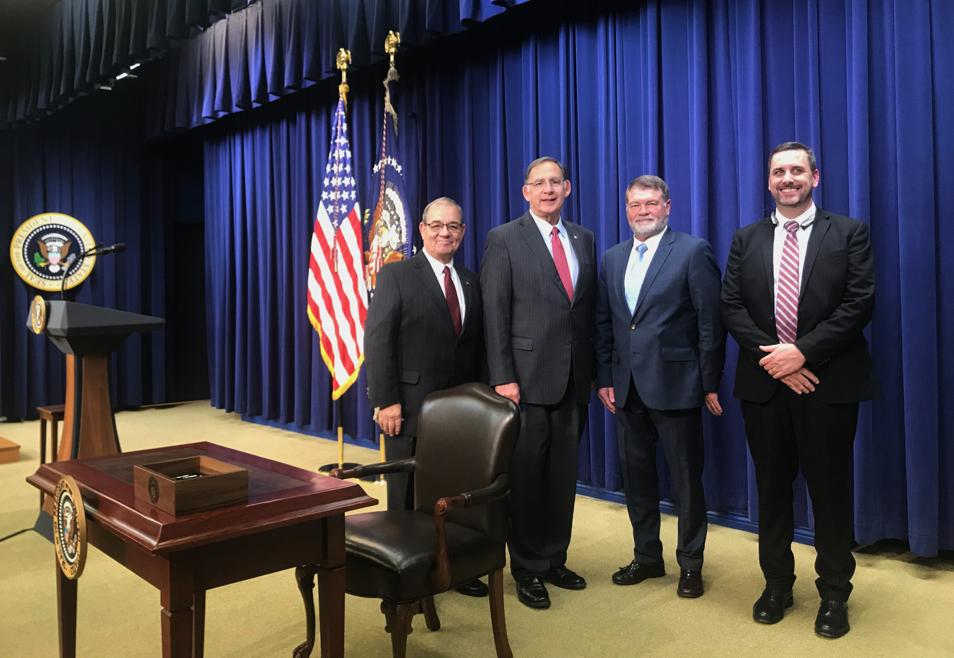 Senator Boozman, along with Arkansas Farm Bureau representatives President Randy Veach, Board Member Terry Dabbs and Director of Government Affairs Matt King, attended the 2018 Farm Bill signing ceremony at the White House